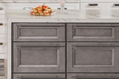FB-Allure-Onyx-Frost-Fabuwood-Kitchen-Cabinetry-oasis-close-up-2