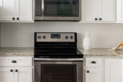 FB-Quest-Discovery-Frost-Fabuwood-Kitchen-Cabinetry-discovery-frost-gallery2